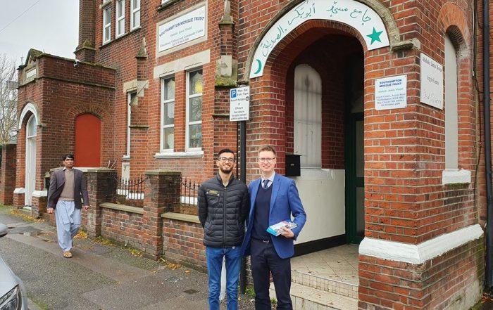 Steven Galton visits Abu Bakr Mosque, Argyle Road, Southampton